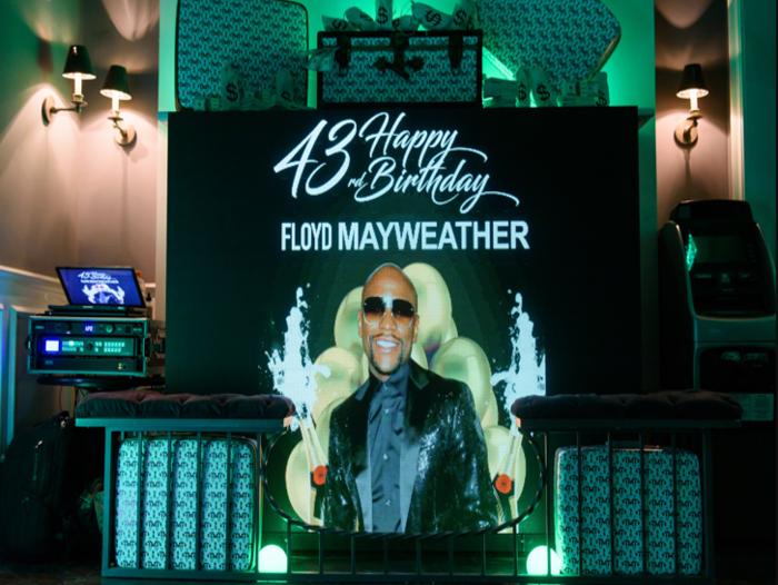 "Floyd ""Money"" Mayweather celebrated his 43rd Birthday in Luxury!"