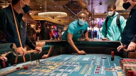 Gamblers in Nevada must wear masks
