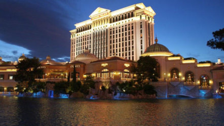 Caesars to merge online casinos with William Hill