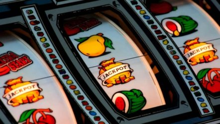 Bacta to prohibit under-18s from playing Category D  machines