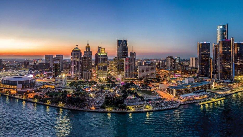 Online sports betting, gambling to launch in Michigan soon