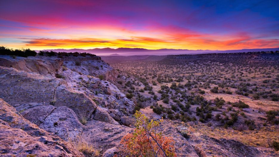 New Mexico legislation would legalize online betting, table games
